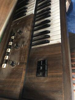 Organ in adelaide region sa musical instruments gumtree organ retro in good working order fandeluxe Choice Image