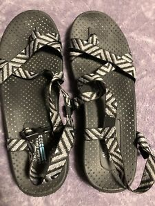 Size 9 sketchers sandals - brand new in box