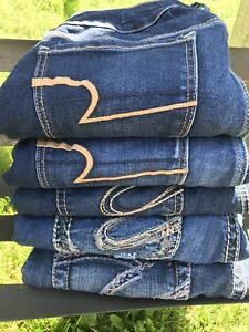 Selling 5 pairs of jeans as a set