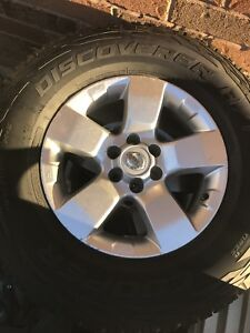 Rim and tires for Nissan Frontier
