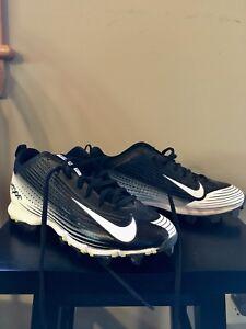 Nike Men's Size 7 Cleats