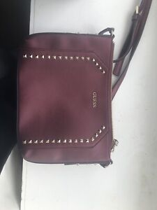 Great condition Guess crossbody