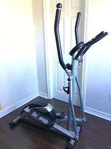 Elliptical machine with heart rate monitor