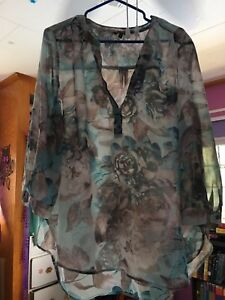 Ladies 3/4 blouse size XL