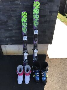 Kids downhill skis and boots