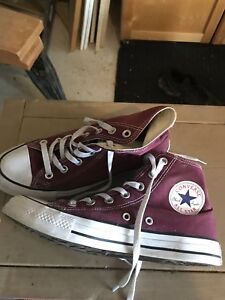 Converse high-tops burgundy great condition