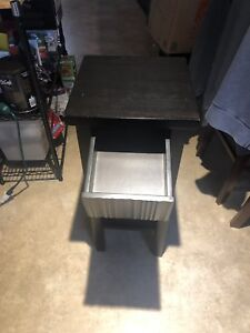 End tables  (2 of them )