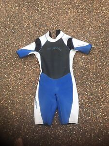 Wet suit Metford Maitland Area Preview