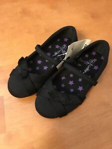 NEW Black shoes - toddler size 8