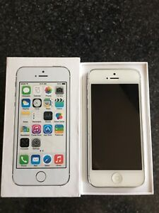 iPhone 5s Silver - 64GB  in mint condition