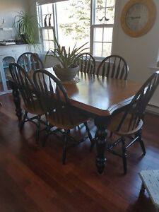 Dining Table and Buffet/Hutch