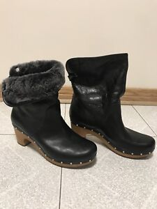 Ugg boots woman size 10 US - brand new