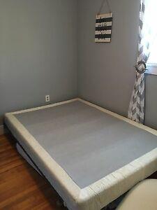 Double mattress, box spring and metal frame