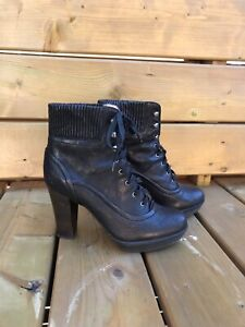 Ladies Frye ankle boots (black, size 9.5)