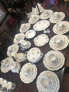 Vintage England Royal Albert Tranquility dinner set for 12