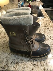 Sorel winter boots size 11 - fits more like 9.5