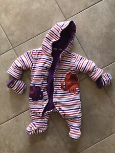 Winter Infant Snuggly (0-3m)
