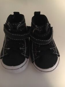 Size 3-6 month baby boy shoes