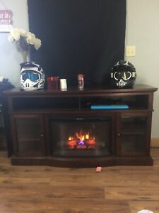 Fireplace/entertainment stand