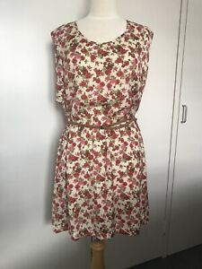 Floral Dress with Belt Fitzroy North Yarra Area Preview