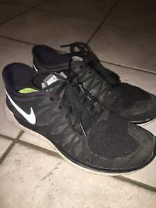 NIKE SHOES - Womens and Juniors/Kids