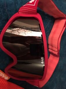 Female Snowboard Goggles (Only used once)