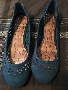 Like new teal flats! Only worn once!