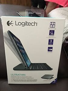 Logitech Aluminum Magnetic clip in Keyboard And Cover iPad mini