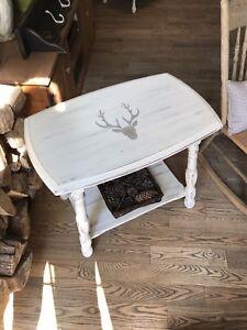 Jolie table d'appoint vintage en bois
