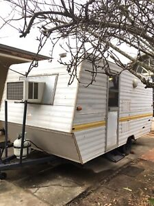 1988 Statesman Caravan 16ft long Registerd