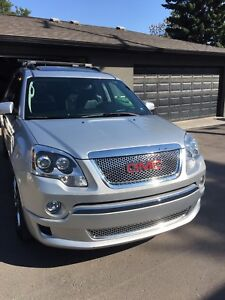 Fully loaded 2012 GMC Acadia Denali SUV with low kms