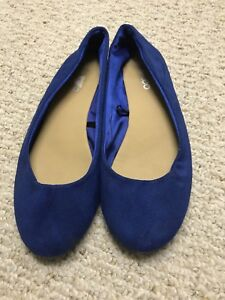 Ladies blue suede like shoes size 10