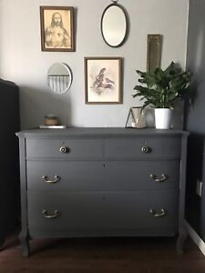 GORGEOUS Antique Bowfront Dresser/Console - FREE DELIVERY