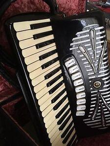 Sonola Piano Accordion 120 Bass Hectorville Campbelltown Area Preview
