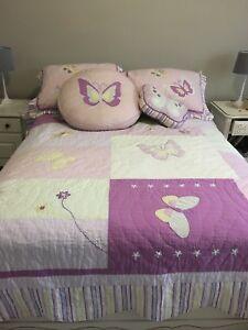 Butterfly quilt bedroom set