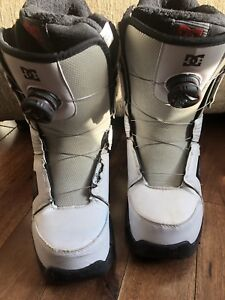 Snow board boots DC