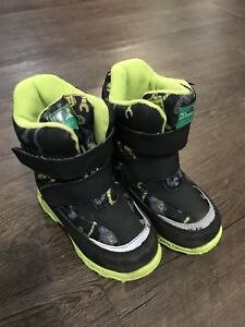 Toddler Cougar Winter Boots Size 8