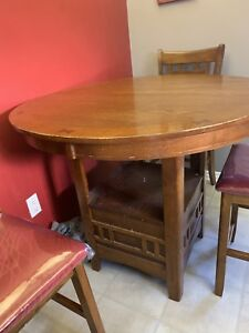 Kitchen table 3 chairs