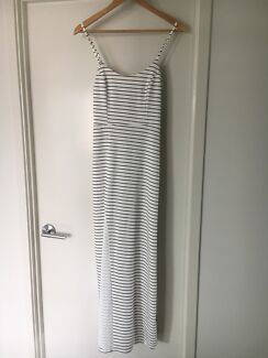 Maxi dress - Size M (about an 8)