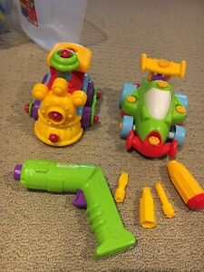 Kids build and play toys