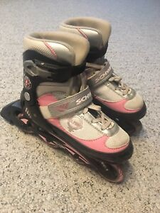 "Size 1–4 adjustable "" girl power"" Roller Blades"