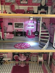 BARBIE HOUSE WITH INTERIOR FURNITURE ACCESSORIES