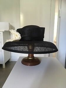 Elegant Black Hat Wellington Point Redland Area Preview