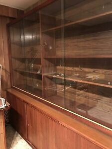 Mid century modern wall unit in excellent condition