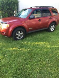 2008 Ford Escape xlt.  4x4.  152000km