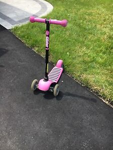 Pink scooter ages 3-5