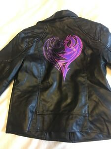 Girls Disney Descendants Jacket. New!!