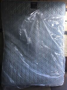 Simmons Queen Mattress & Box! Great Shape! FREE Delivery!