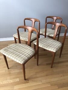 Set of 4 - Vintage Johannes Andersen Teak Dining Chairs
