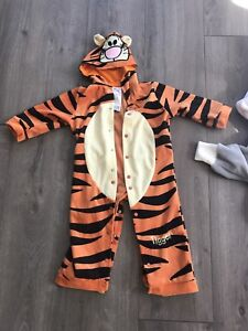 Baby tigger costume size 12 months